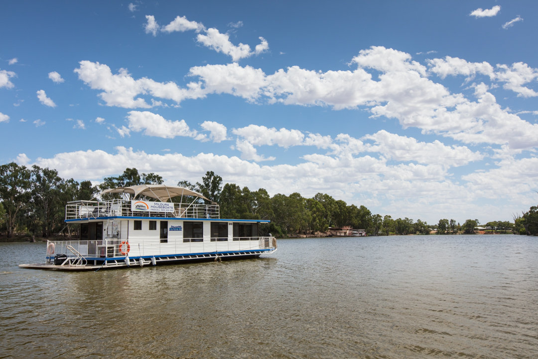 Murray Hawk Houseboat