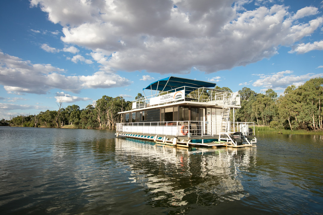Albert James Houseboat